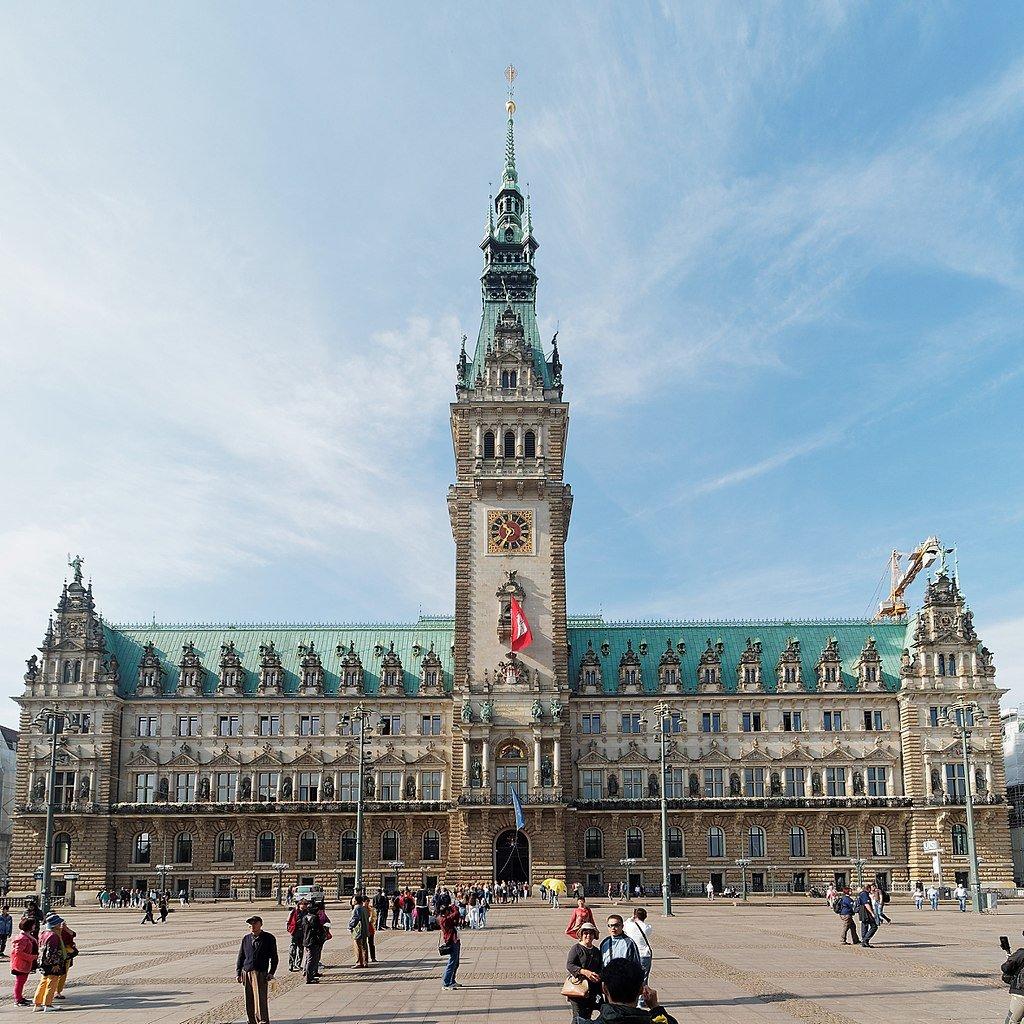 Hamburg City Hall and market square